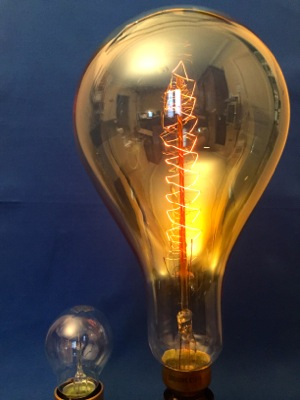 Ampoule vintage géante filament