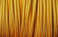 Câble fil électrique tissu jaune paille.